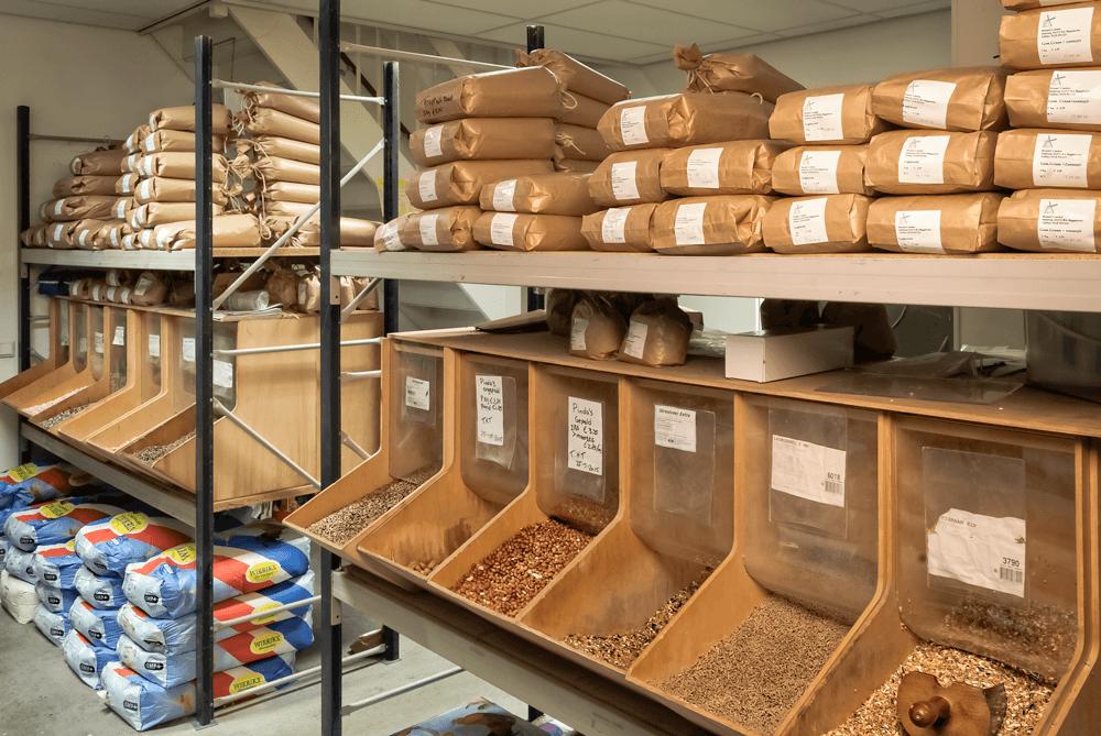 brassers korenmolen winkel dierenvoedsel